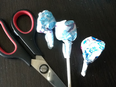 Dum Dum Suckers for an Easy Candy Bouquet DIY
