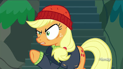 Applejack putting on her pirate act