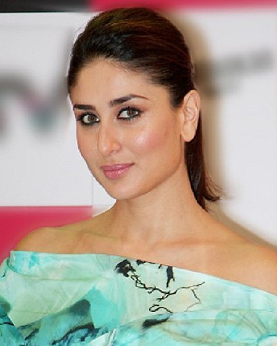 Bollywood actress Kareena Kapoor Upcoming Movies List 2016, 2017, 2018, poster trailer, on Mt Wiki. wikipedia, koimoi, imdb, facebook, twitter news, photos, poster, actress updates of Kareena Kapoor Khan