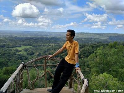 Ilham Guntara di Puncak Sewu Watu Sangga Langit www.guntara.com