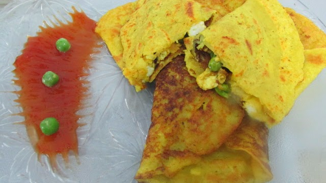 PANEER STUFFED MOONG DAL CHILA