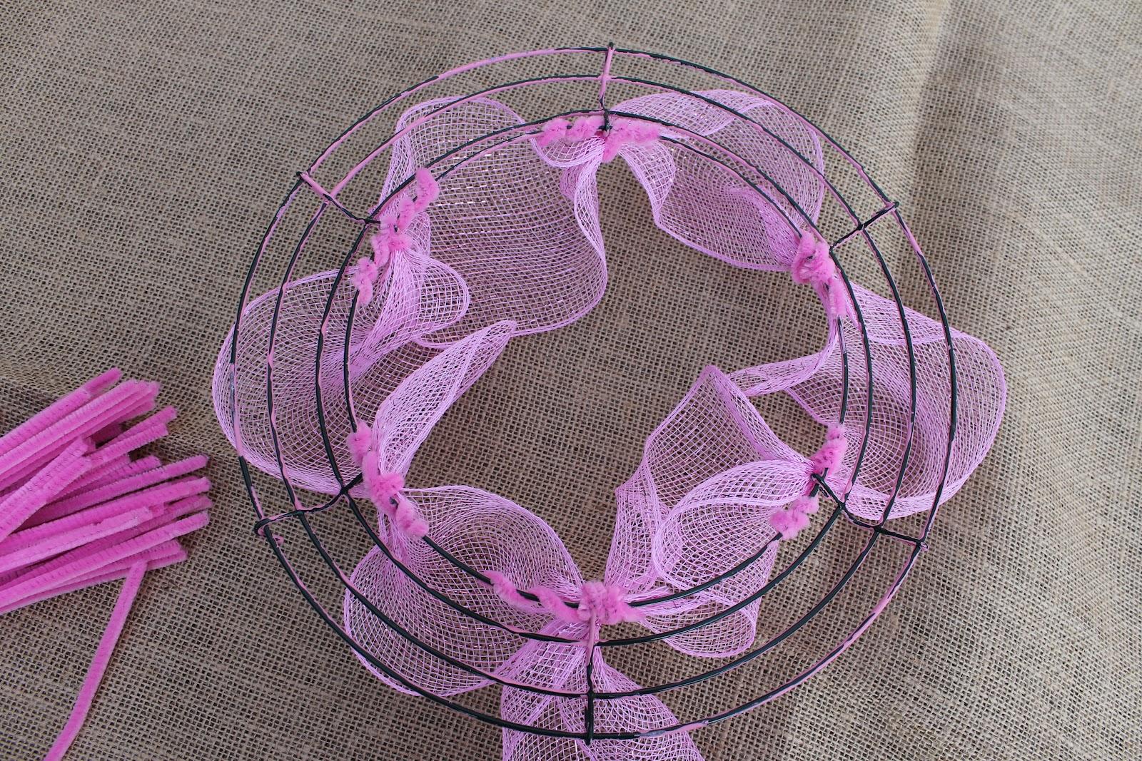 how to make deco mesh wreaths miss kopy kat. Black Bedroom Furniture Sets. Home Design Ideas