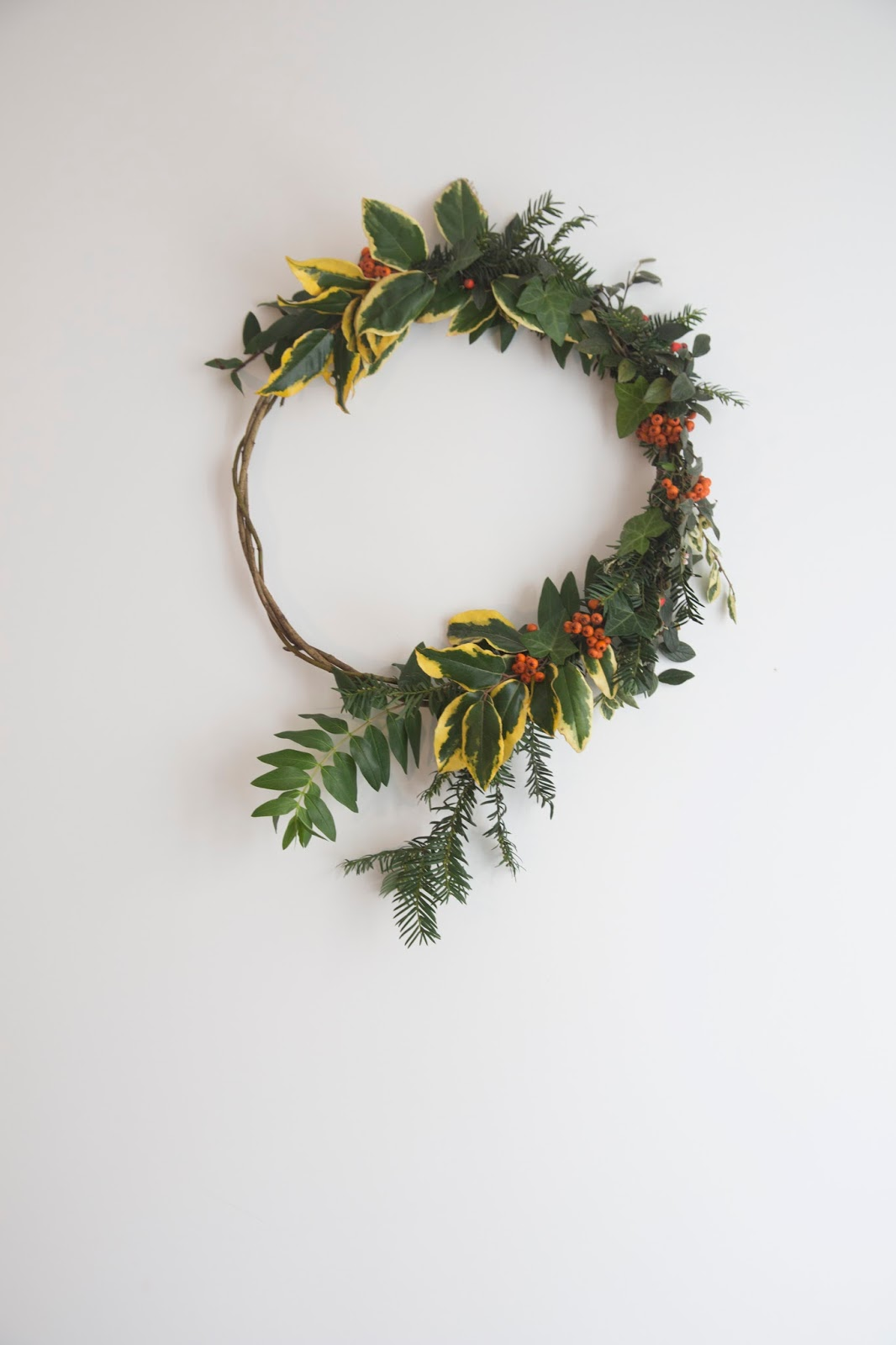 zero waste, zero waste christmas, eco home, ethical home, wreath, hygge, hygge christmas, holiday wreath, christmas wreath, diy wreath, vegan christmas, ethical christmas, sustainable christmas, conscious christmas, christmas, slow christmas, green christmas, ethical holiday, sustainable holiday, vegan holiday,