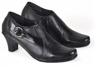 Sepatu Kerja Boots Wanita PUC 702