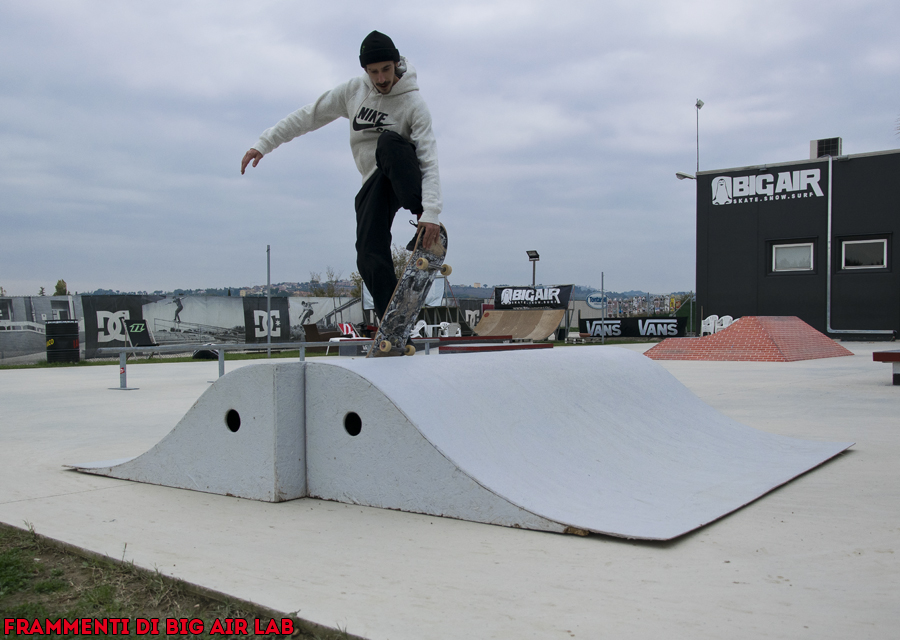 Luca Crestani nella skate plaza di Big Air.