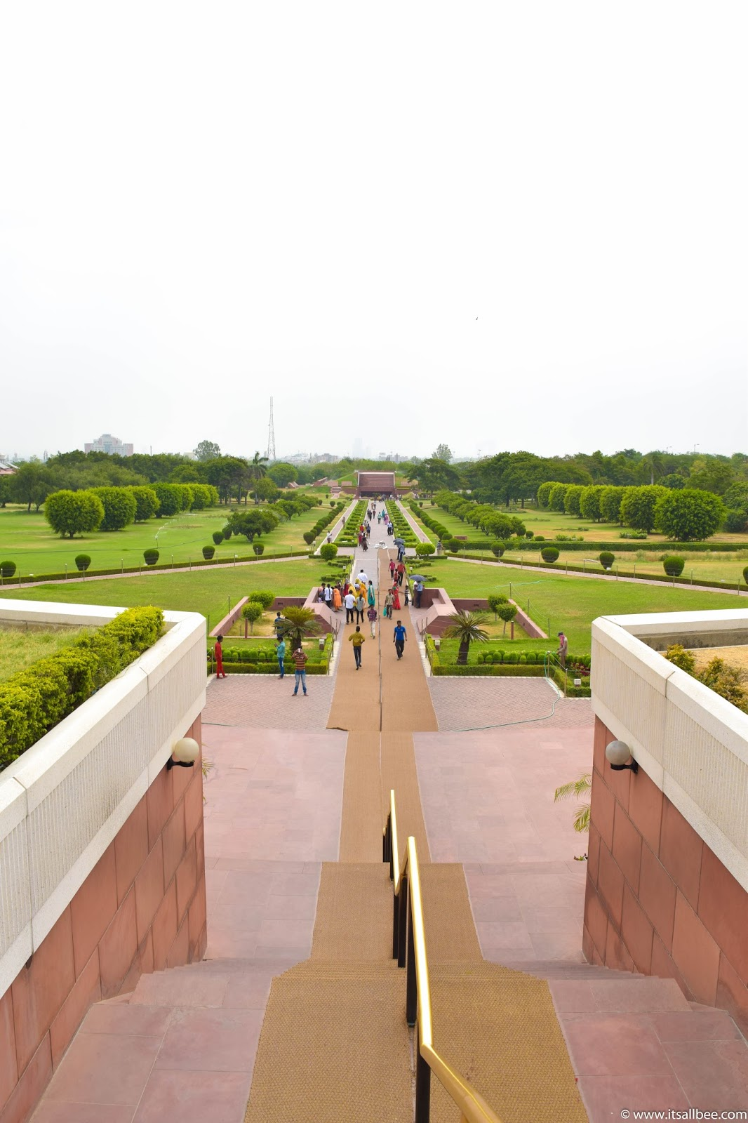 Lotus Temple of Delhi- Exploring The Bahai Temple in New Delhi