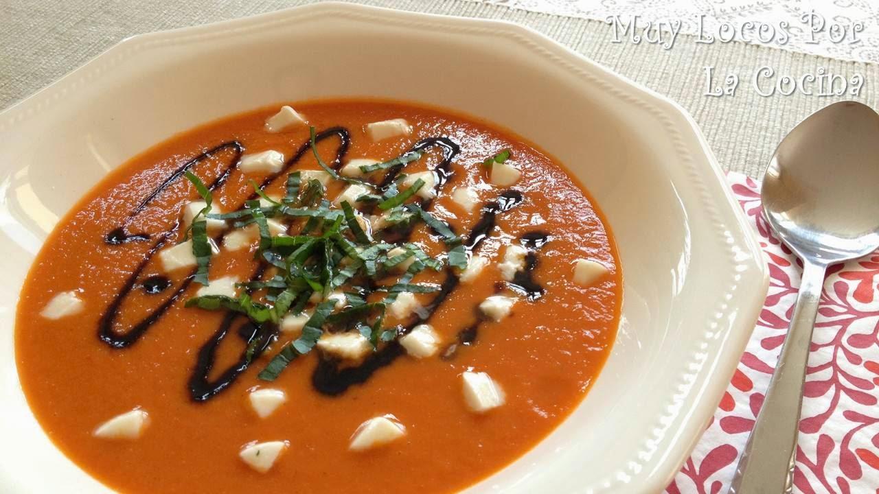 Sopa Caprese (Tomate, Mozzarella, Albahaca y Reducción Balsámica)
