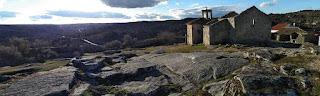 http://viewsfrommyinnerwindow.blogspot.com.es/2018/02/cielos-de-portugal-castelo-mendo.html