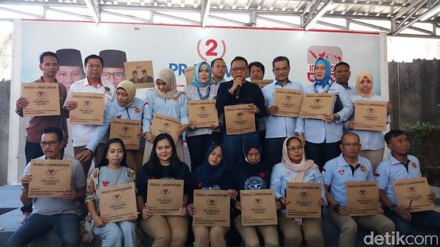 Seknas Prabowo Sebar 20 Ribu Tas Kertas untuk Gantikan Plastik