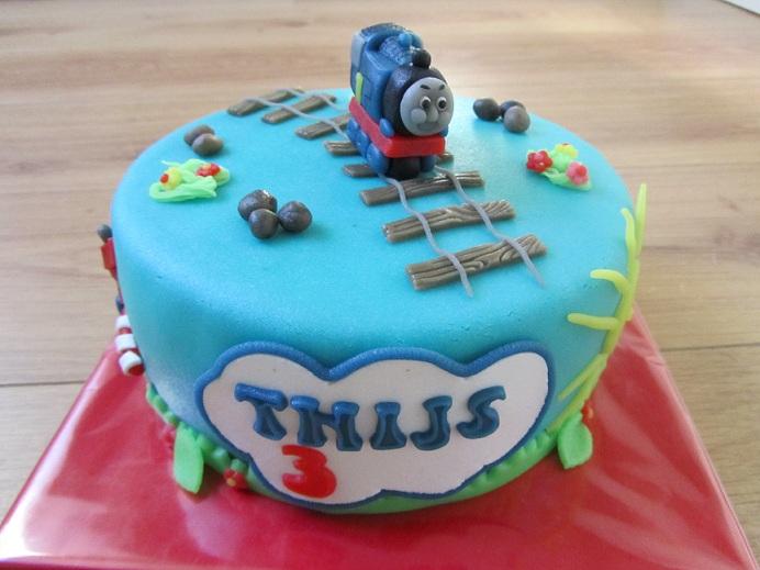 Fabulous Taartje maken: Thomas de trein taart en Cars taart &TG83