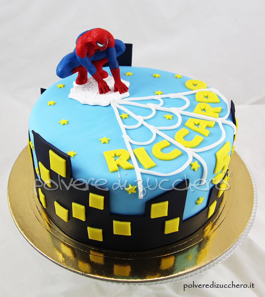 torta decorata spiderman uomo ragno pasta di zucchero cake design compleanno bimbo polvere di zucchero