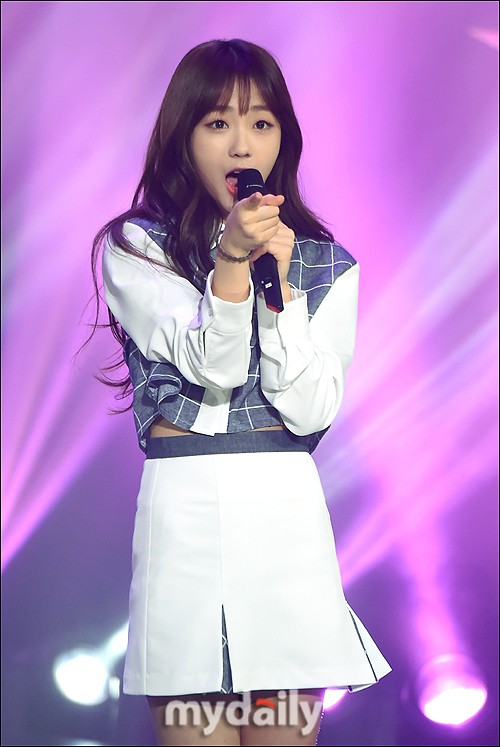 KPKF] 8 idols who were born since 2000 | allkpop Forums