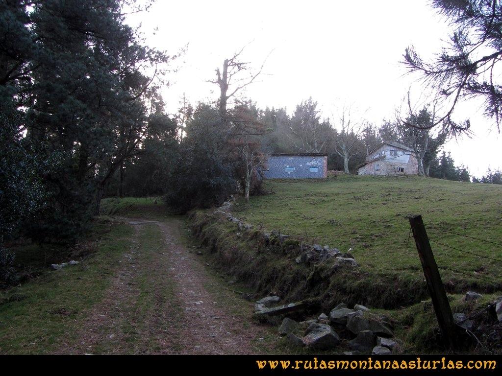 Pico Mua PR AS 46 Cabañas en el camino