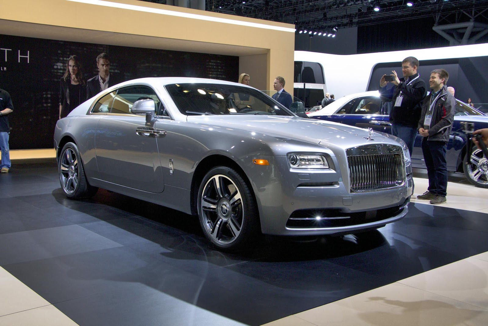rolls royce wraith autos post. Black Bedroom Furniture Sets. Home Design Ideas