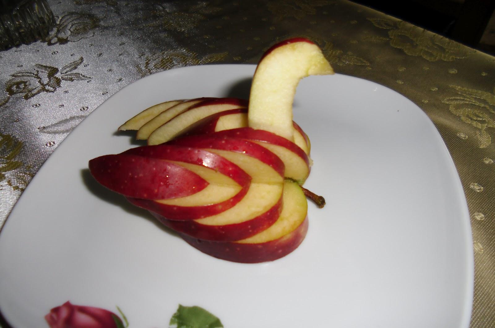 Mutfağımız için güzel doğal malzemeler panelini oluşturun