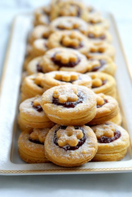 ciastka piaskowe,szybkie ciastka maślane,ciasteczka proste i szybkie,kruche ciasteczka,katarzyna franiszyn luciano,z kuchni do kuchni,najelpszy blog kulinarny,latwe wypieki,ciasteczka na imprezę,