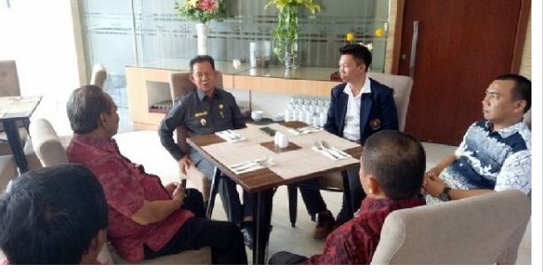Tulang Bawang Barat Pengurus Persatuan Wartawan Indonesia (PWI) Kabupaten Tulang Bawang Barat mengutus 7 Orang pengurus PWI guna mengikuti Uji kompetensi Wartawan (UKW) Ke-XVII tahun 2018 pada 5-6 November 2018