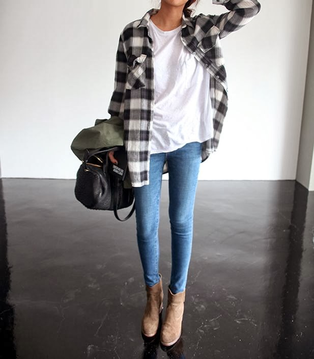 Women's Fashion b & w flannel + white tee + skinny jeans + ankle boots