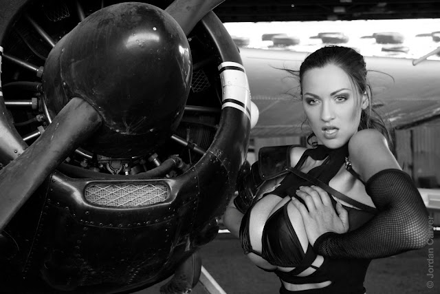 Jordan-Carver-Airplane-HD-Photoshoot-Image_2