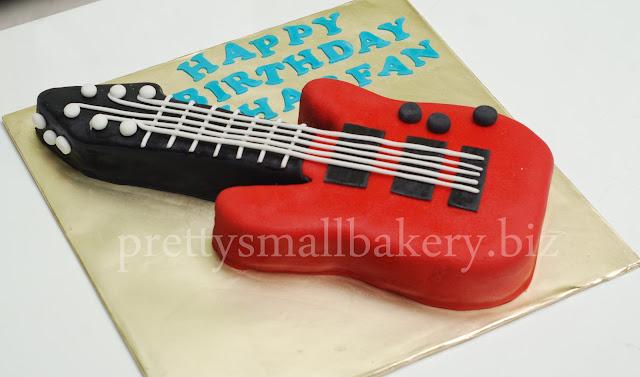 Kek Birthday Guitar Untuk Zhafran Prettysmallbakery