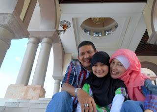4 Kiat Terciptanya Bahagia di Rumah
