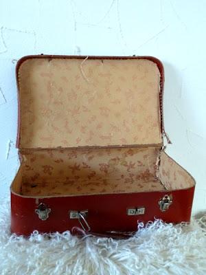 zwergenwelt der traurige alte koffer. Black Bedroom Furniture Sets. Home Design Ideas