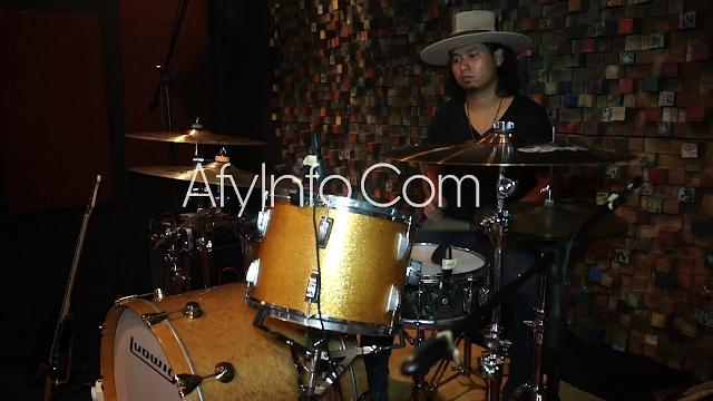 Drummer Aditya Wibowo