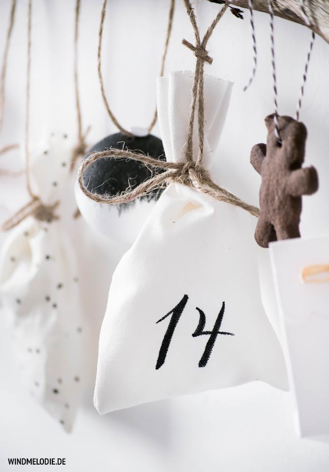 DIY skandinavischer Adventskalender scandi style schwarz weiß Ast
