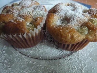 Muffinki z agrestem