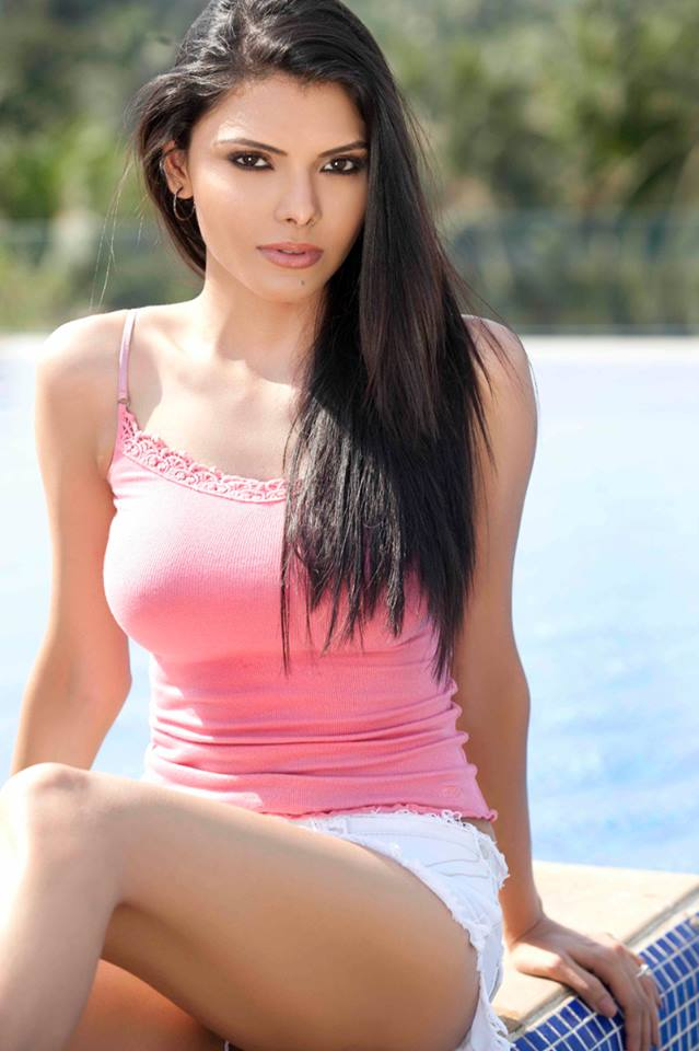 Sherlyn Chopra in pink top, Sherlyn Chopra in white shorts, Sherlyn Chopra in tight dress, Sherlyn Chopra in short dress, Sherlyn Chopra thunder thighs, Sherlyn Chopra hottest pics