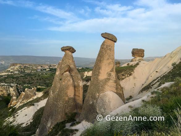 Kapadokya Üç Güzeller peri bacaları, Ürgüp Nevşehir