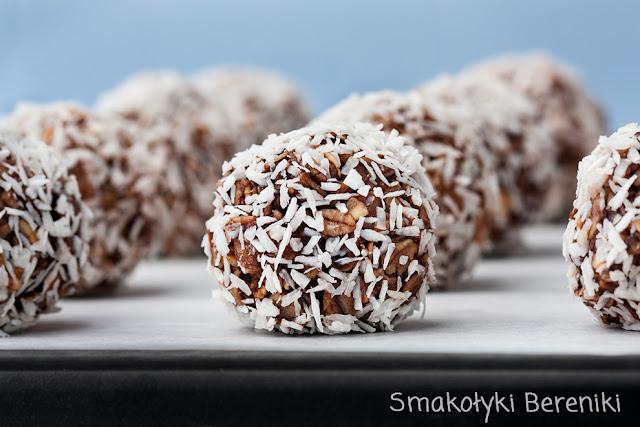 Kuleczki owsiane z wiórkami kokosowymi
