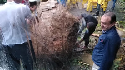 Una roca estuvo a punto de causar una tragedia en la vía Quibdò-Medellìn