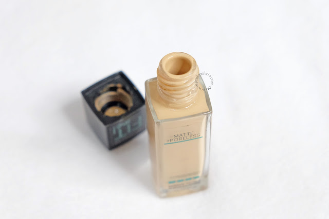 Review : Maybelline Fit Me! Matte & Poreless Foundation by Jessica Alicia