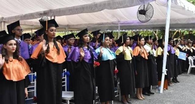 La UASD gradúa a 909 nuevos profesionales