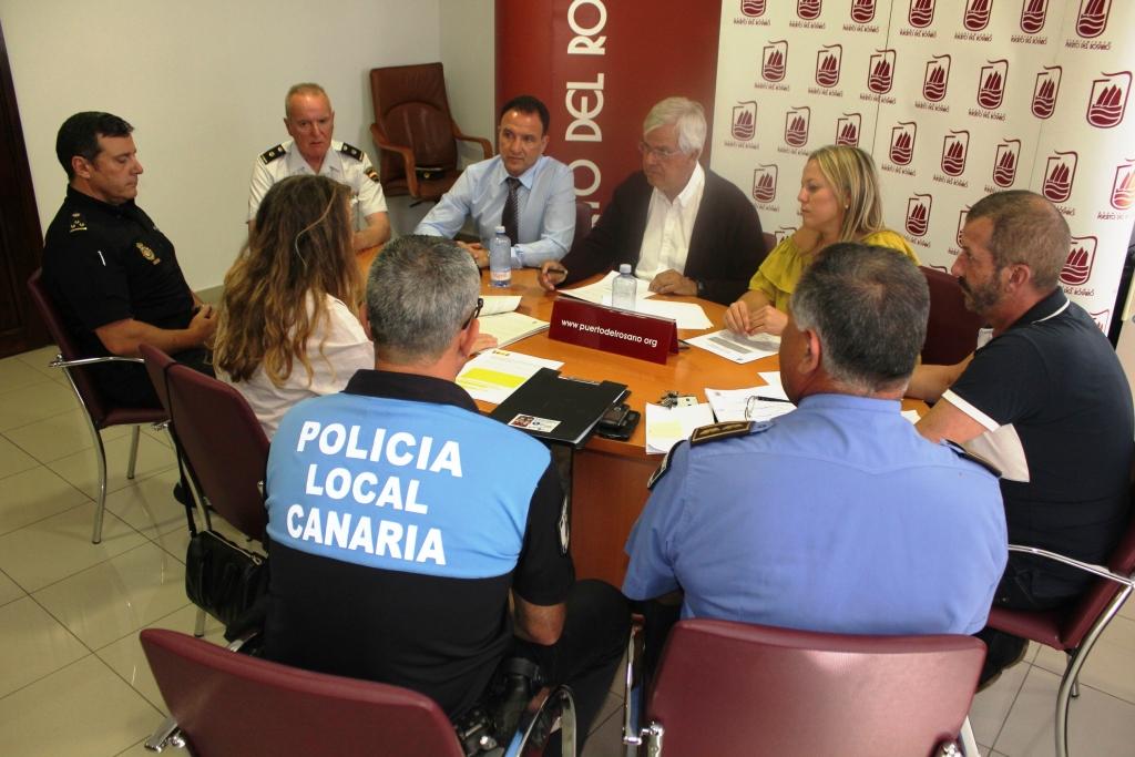 Ministerio del interior y ayuntamiento de puerto del for Ministerio interior y policia