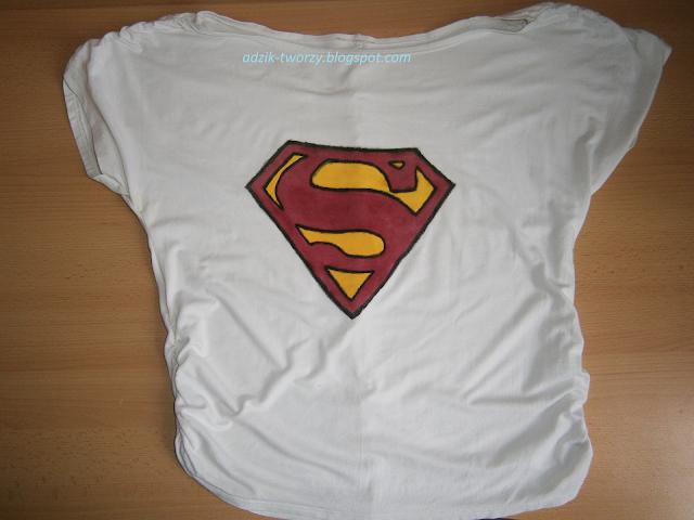 malowanie bluzek DIY farbami do tkanin - Superman