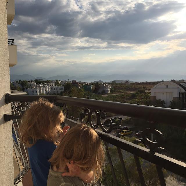 Angekommen im Side Serenis - Blick vom Balkon