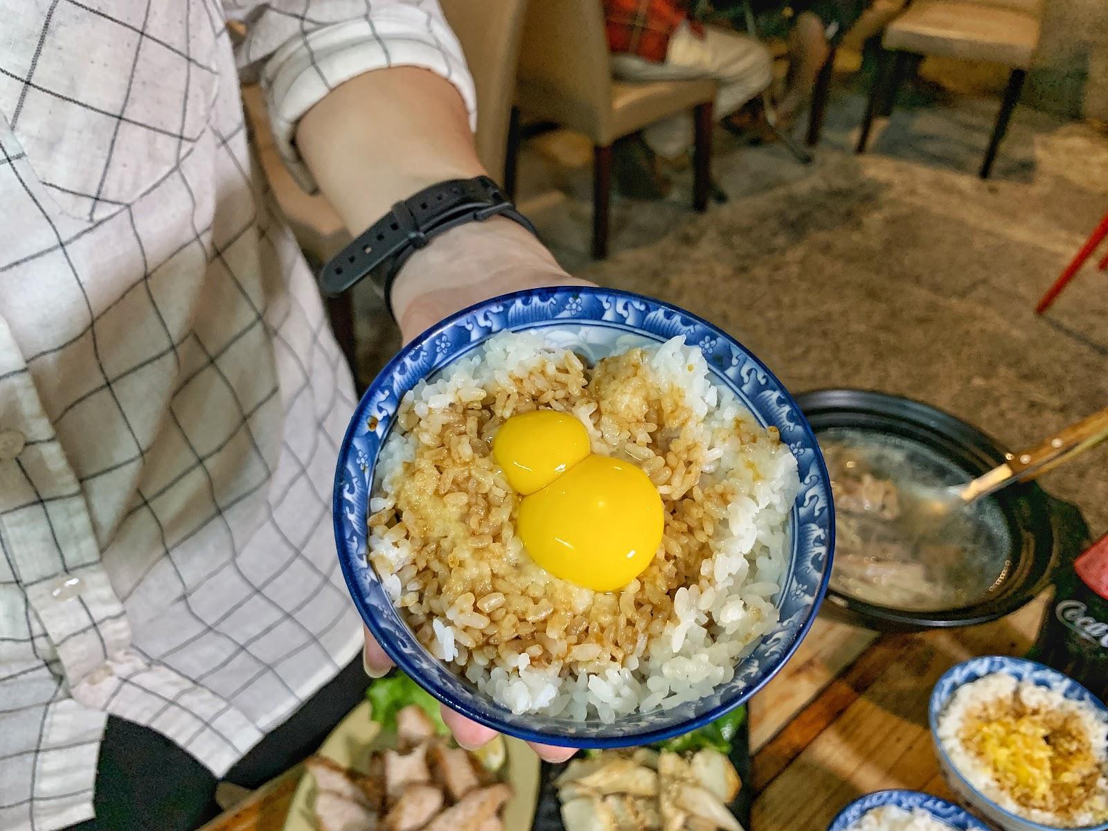 台南美食【府城騷烤家】雙蛋豬油拌飯