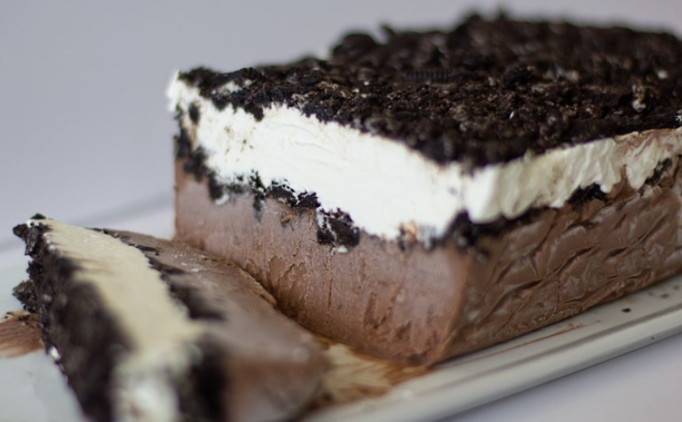 Frozen Chocolate Oreo Pudding Cake #dessert #chocolate