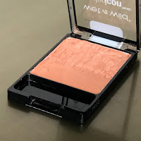 Wet n Wild ColorIcon Apri-Cot in the middle Blush