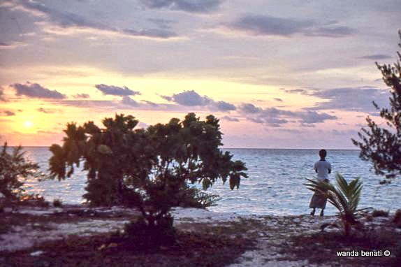 Maldive, osservando il tramonto