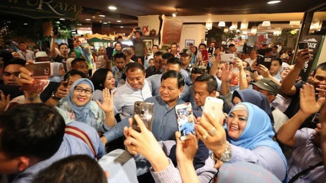Emak-Emak Bergerak, Prabowo Terharu dan Bangga