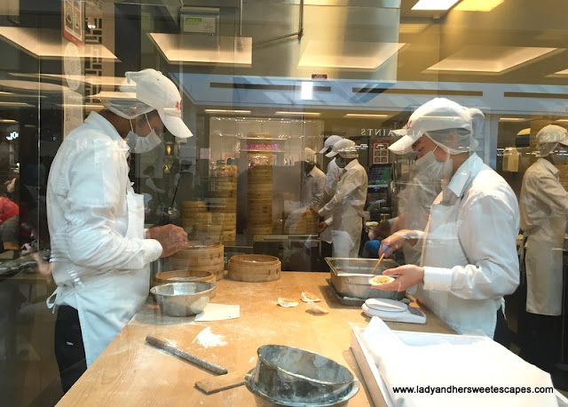 Din Tai Fung Dubai open kitchen