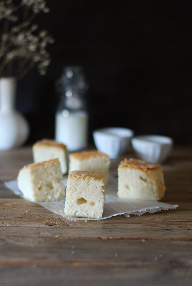 white-egg-cake-bica-blanca-laza-dulces-bocados