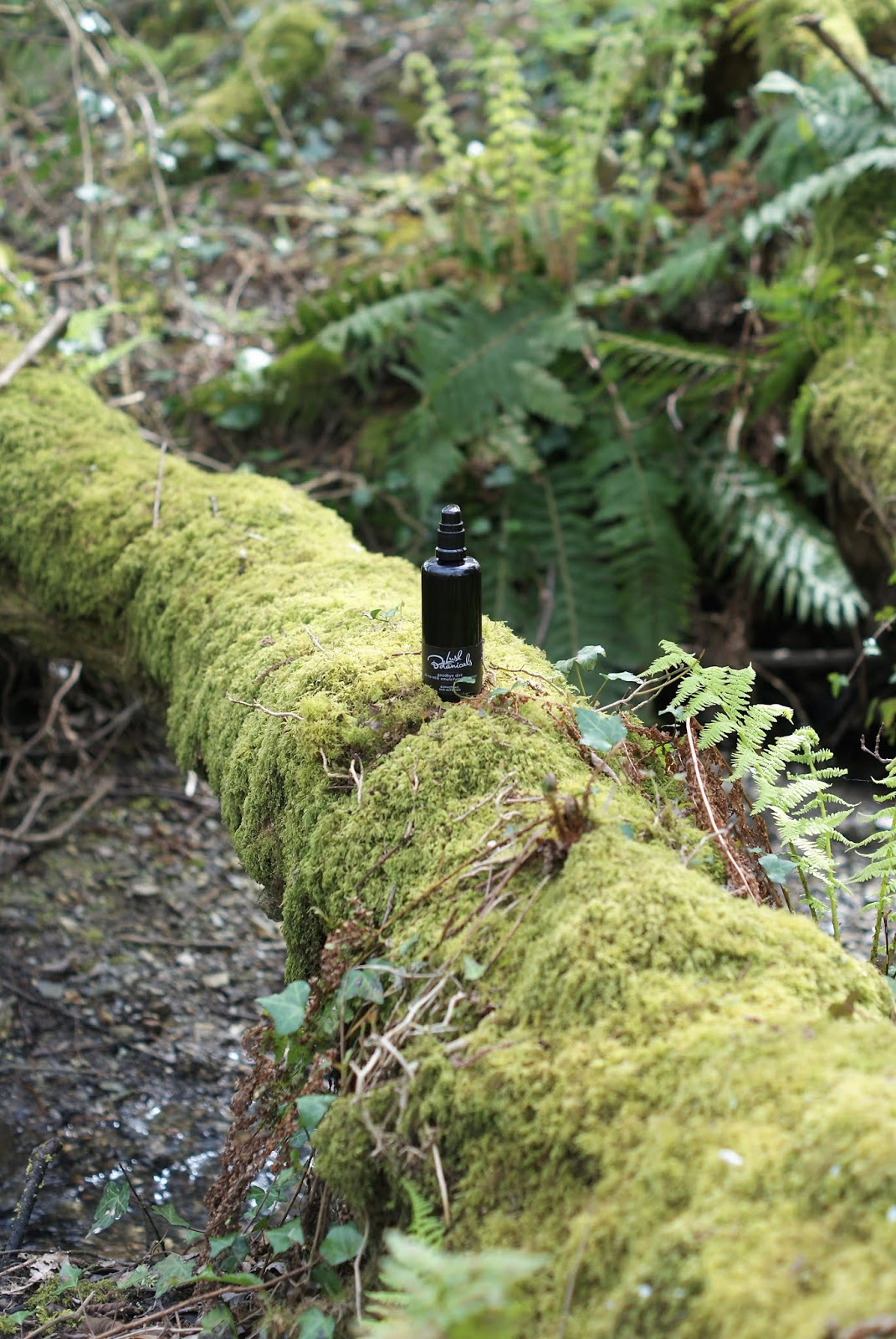 Olejek hydrofilowy Goodbye Dirt/ Lush Botanicals.