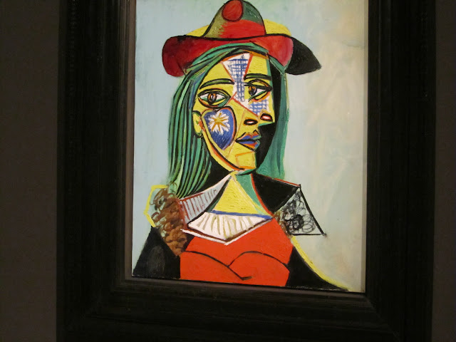 Woman in Hat and Fur Collar (Marie-Thérèse Walter) by Picasso