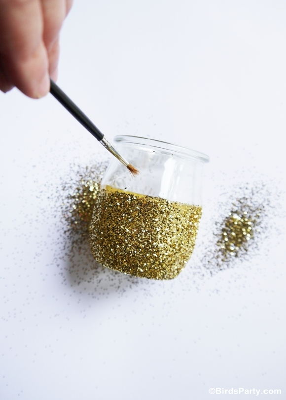 DIY Bougies scintillantes avec des pots de yaourt | BirsdParty.fr