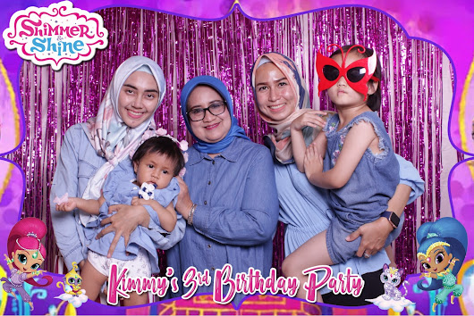 Kimmy with Shimmer & Shine...! - Kece Photobooth for 3rd Birthday Party