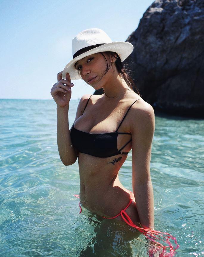 Alexis Ren – Social pics